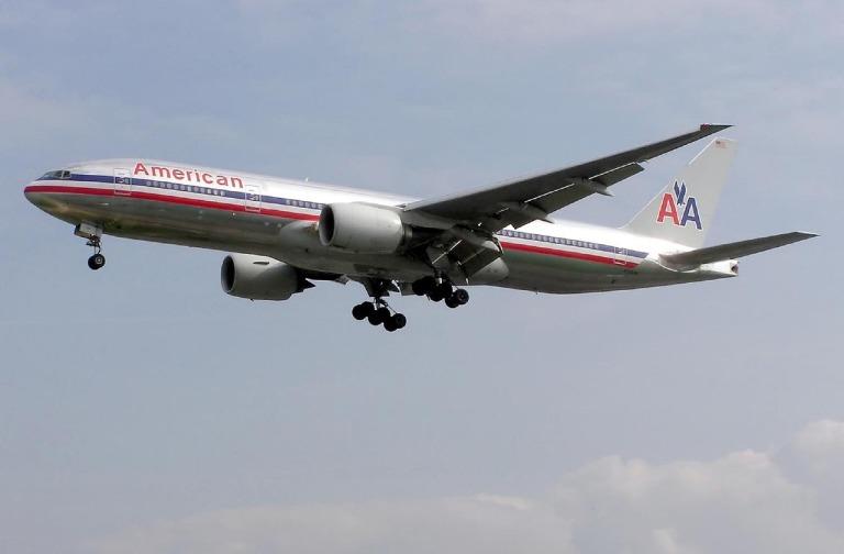 airplane-749534_1280