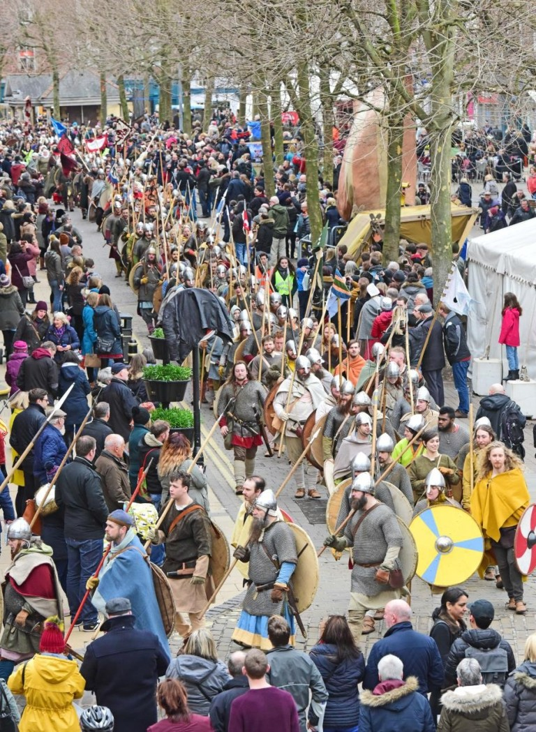 crowd at viking festival